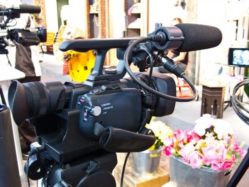 JVC GY-HMQ10 4K Cam-3