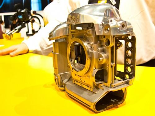 Nikon D4-14
