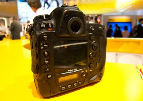 Nikon D4-4