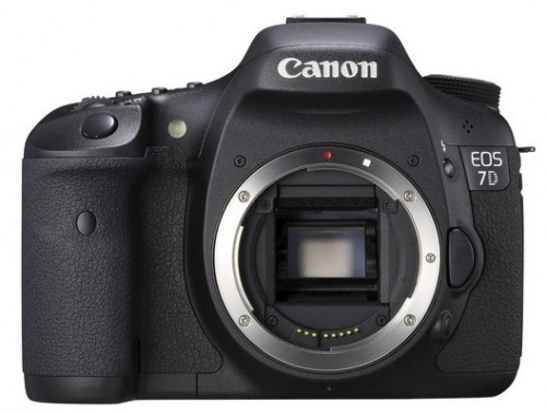 Canon 7D for $1279 - Cyber Monday Deal Alert