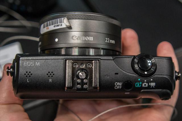 Canon EOS M-2