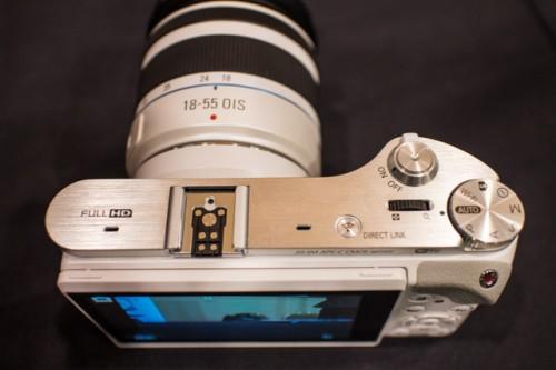 Samsung NX300 White-10