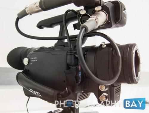 JVC HMQ30-8