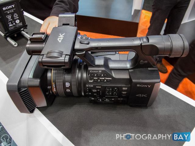 Sony FDR-AX1-2