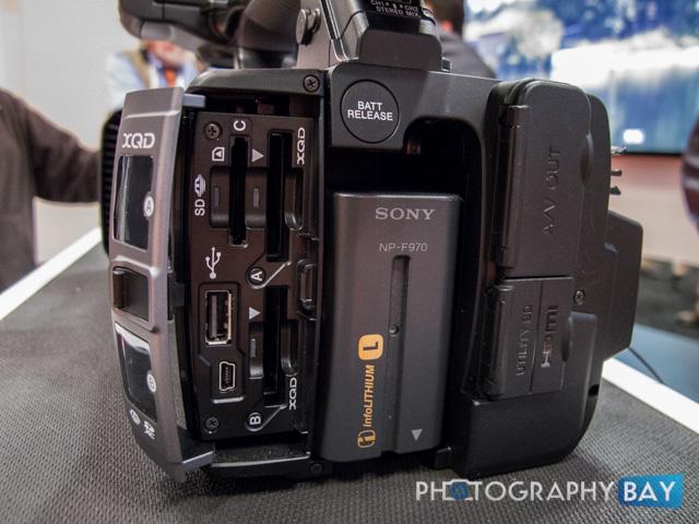 Sony FDR-AX1-4
