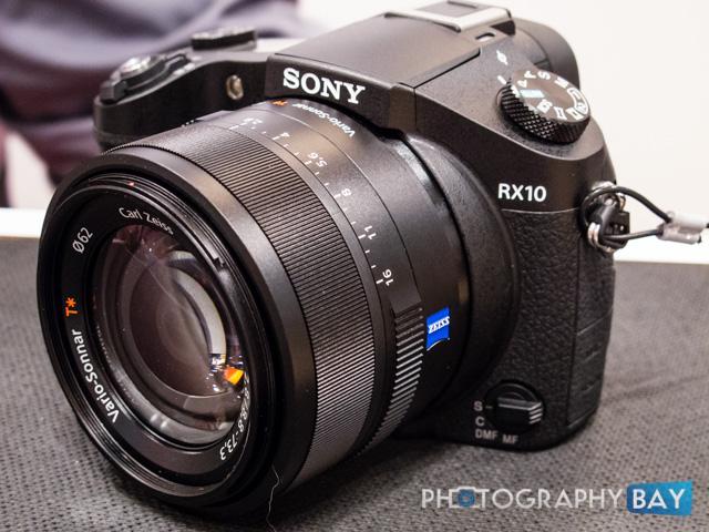 Sony RX10-2