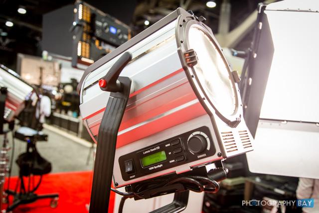 Lumos 150 LED Fresnel-3