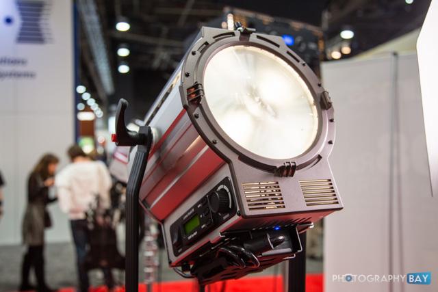 Lumos 150 LED Fresnel-4