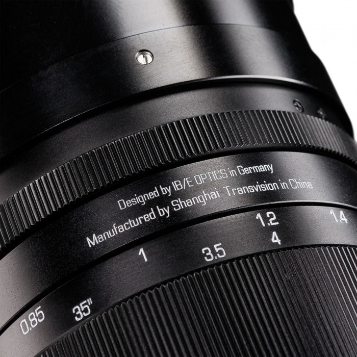 Handevision IBELUX 40mm f0.85 Lens Close Up