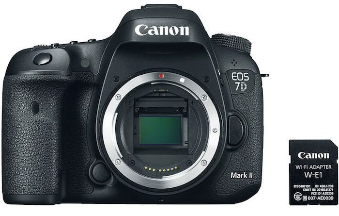 Canon 7D Mark II W-E1 Kit